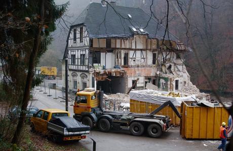 Abbruchhaus: im Müngstener Brückenpark