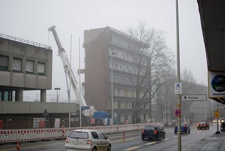 """Abriss des """"Behördenhochhauses"""""""