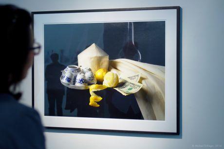 Altarstillleben mit Kokosnuss, 2014: Hannah Meinik, Inkjetprint auf Fine Art Paper