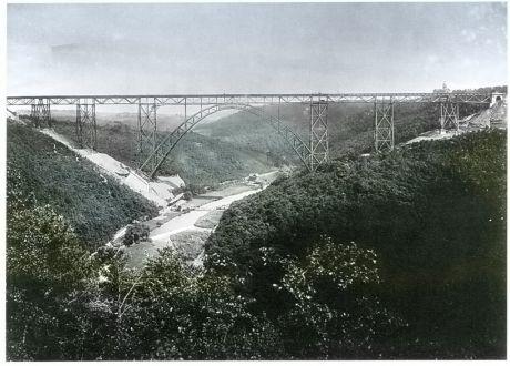 Müngstener Brücke kurz nach der Fertigstellung im Jahre 1897