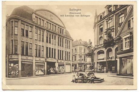 Altermarkt mit Schmied von Solingen: Postkarte, gelaufen am 29.6.1943 - links das Kaufhaus H.L.Mertens (heute in etwa wo Kodi und House of Jeans, 1. Foto oben)