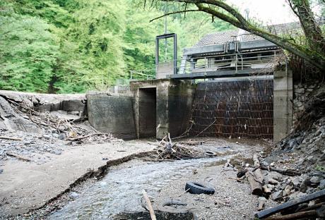 Wasserkraftwerk: ohne Wasser, nur noch ein Bauwerk