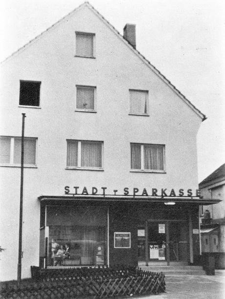 Stadtsparkasse in Aufderhöhe seit 1956: Foto ebenfalls Hans Grah, Streifzug durch die Zeit
