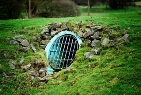 Eingang oder Ausgang: Wohnbehausung von Aliens?