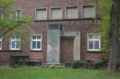 Städtische Badeanstalt Ohligs -- alter Eingang