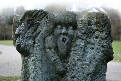 Skulptur im Bärenloch