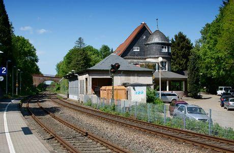 Bahnhof Schaberg: Bahnhalt an der Müngstener Brücke