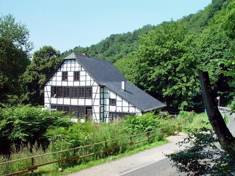 Schleifermuseum: Im Tal der Wupper - Balkhauser Kotten