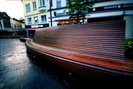 Solingens teuerste Bank: im öffentlichen Raum