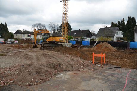 Baugrube: Aufderhöher Straße 111,113