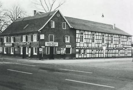 Bergischer Hof 1977: (Foto: Hans Grah; Aufderhöhe - Ein Streifzug durch die Zeit, SG 1977)