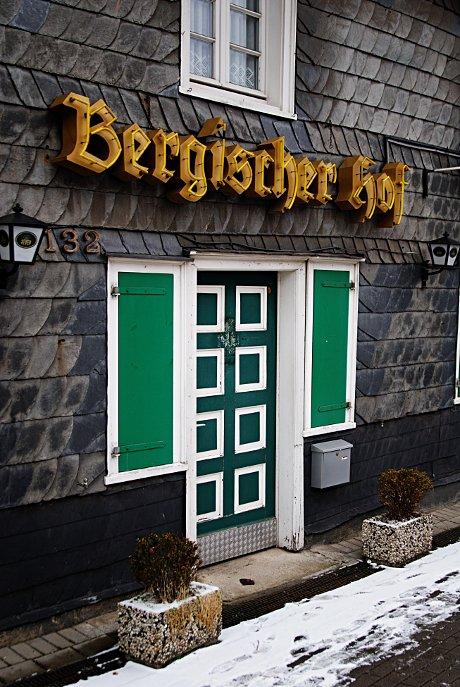 Bergischer Hof: Eingang zur Herrlichkeit