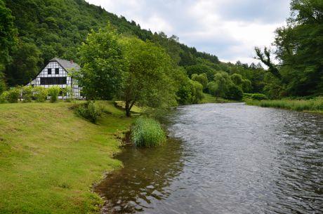 Balkhauser-Kotten am Ufer der Wupper zwischen Balkhausen und Glüder
