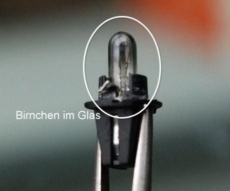 Kandidat für LED-Ersatz: Glasbirnchen in schwarzer Bajonettfassung