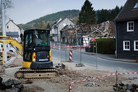 """Auch über die Wupper gegangen: Brandruine der ehemaligen Gaststätte """"Wuppertaler Hof"""""""