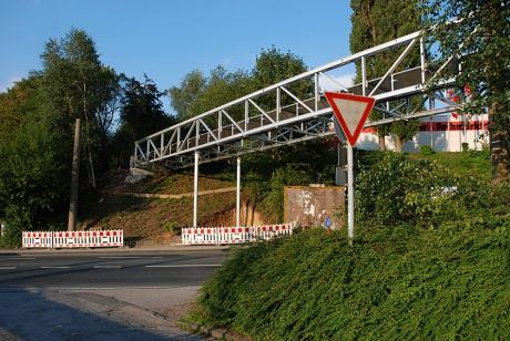 Alubrücke: in Gräfrath, Teil der Korkenziehertrasse (Aufnahme 2007)