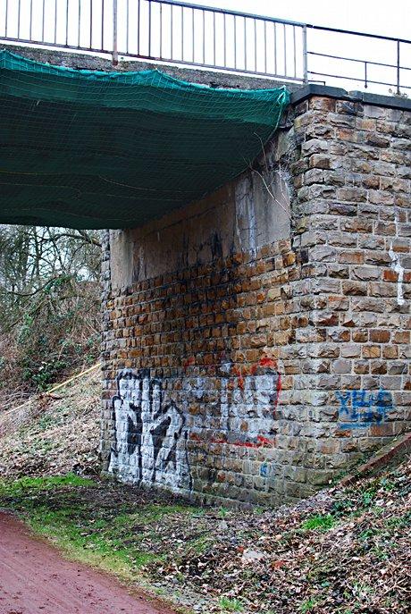 Widerlager der Brücke Eipaß