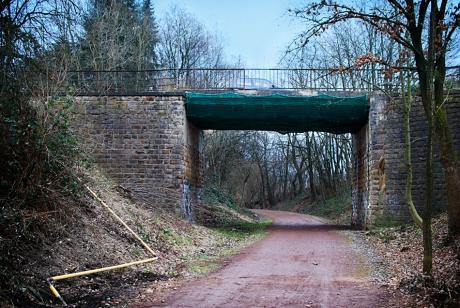 Straßenbrücke am Eipaß: noch steht sie
