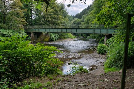 Die marode Brücke in Strohn am Tierheim: soll durch einen Neubau ersetzt werden