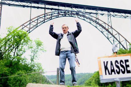 Kasse: ohne mich bricht die Brücke zusammen