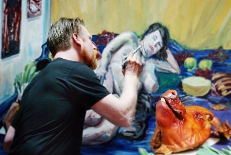 Der Maler André Kern: bei der Arbeit während der 48h-Aktion in den Solinger Güterhallen
