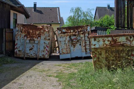 Container im Hof