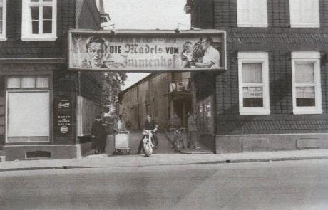 """Deli (Höhschscheid) Neuenhofer Straße 110: Der Film """"Die Mädels vom Immenhof"""" erschien 1955 (Foto: Kino Heimat Solingen)"""