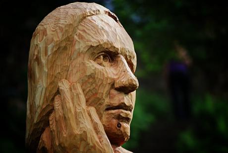 Ratlos: Kunstwerk aus dem Sinneswald (es zeigt nicht das geklaute)