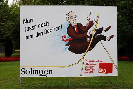 Nun lasst doch mal den Doc° ran!: °Dr. Müller-Stöver, Oberbürgermeisterkandidat der SPD - drittes Portrait einer Serie, von Hans-Jürgen Schmatz