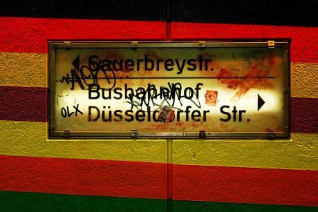 Sauerbreystraße: Busbahnhof, Düsseldorfer Str. »