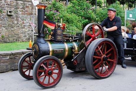 Feflo: der fleißige Dampftraktor