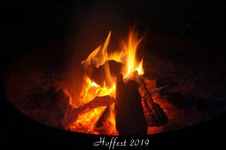 An der Feuerschale: gemütlicher Abend