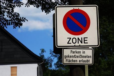Fläche: Erlaubt ist, was nicht verboten ist ! v Verboten ist, was nicht erlaubt ist !