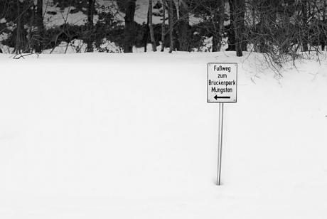 Fußweg zum Brückenpark Müngsten: Wichtig! Eispickel und Airbag nicht vergessen!