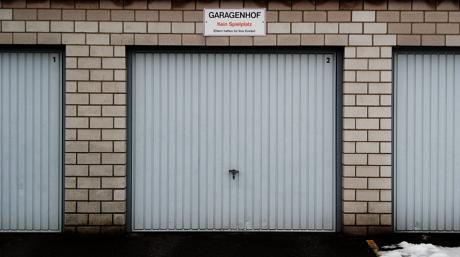 Garagenhof :: Kein Spielplatz: Eltern haften für Ihre Kinder