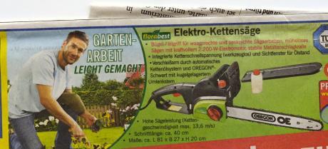 Gartenarbeit leicht gemacht: (Werbung eines Discounters)