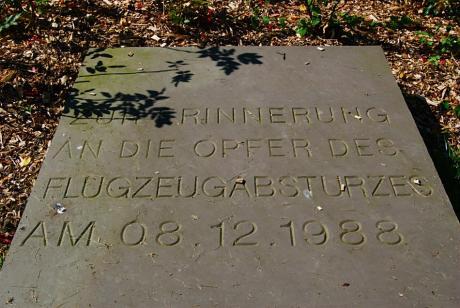 Gedenkplatte: in Remscheid-Reinshagen, Ehrenhain