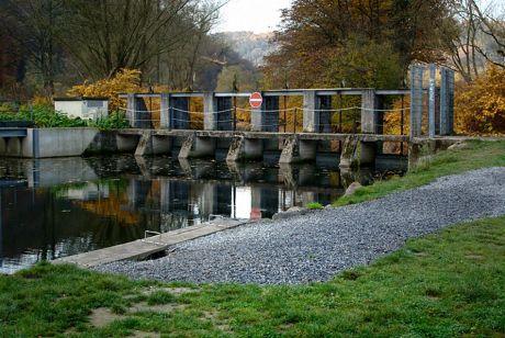 Gewaltschütz der Wasserkraftanlage Widdert: Auer Kotten, Einlauf zum Obergraben