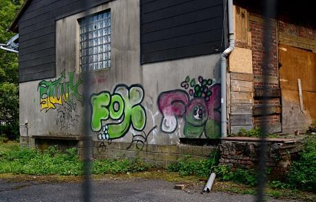 Wandverhübschung am Güterschuppen