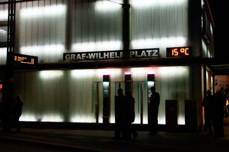 Graf-Wilhelm-Platz: ich glaube, diese Erleuchtung gibt es jeden Tag