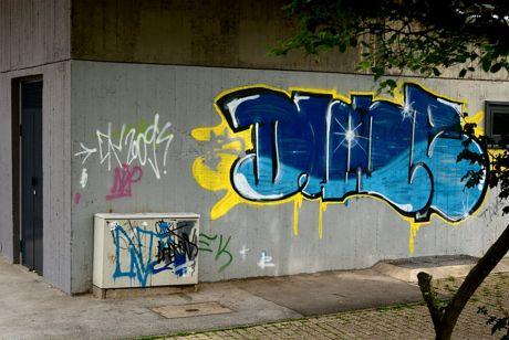 Graffito: an einer Wand der Klingenhalle