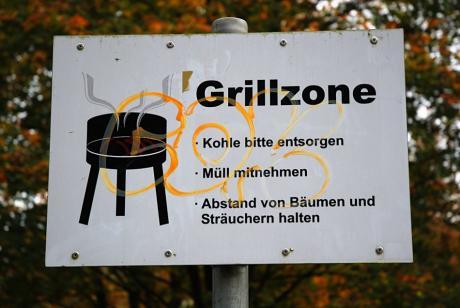 Grillzone: Kohle bitte entsorgen !