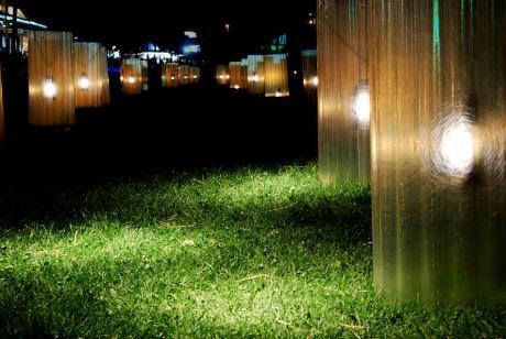 Lichterreihe vor den Güterhallen