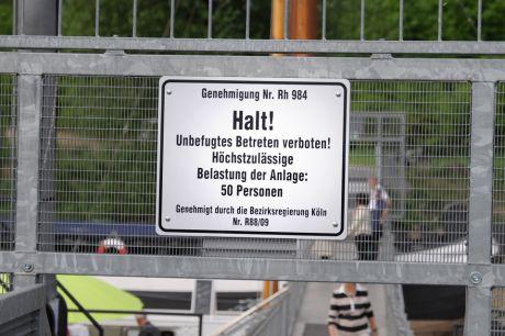 Genehmigung Nr. Rh 984: Halt! Unbefugtes Betreten verboten!