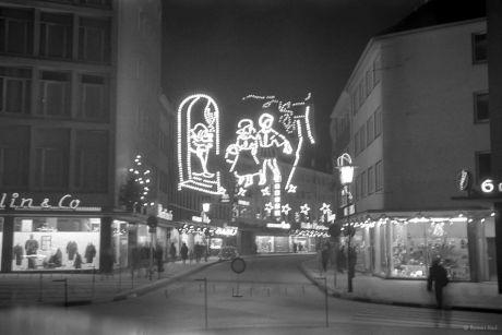 Untere Hauptstraße, Mitte der 1960er Jahre, zur Weihnachtszeit