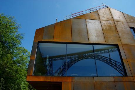 Die Müngstener Brücke im Spiegel der Zeit: nein, nur das Fenster zur Brücke im Haus Müngsten