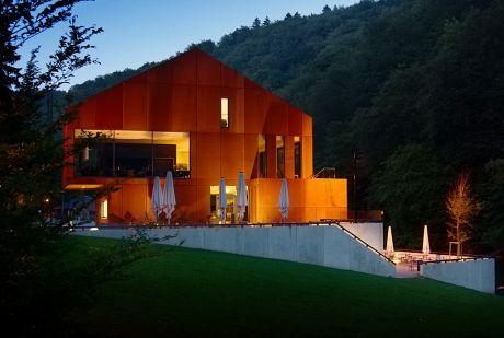 Haus Müngsten kurz nach Sonnenuntergang