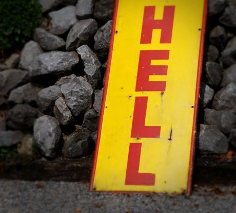 HELL: die Hölle oder nur gut beleuchtet ?