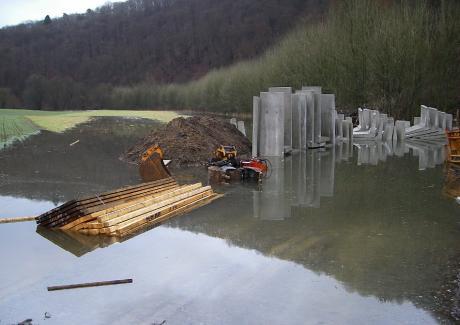 Überschwemmte Baustelle: in Wupperhof