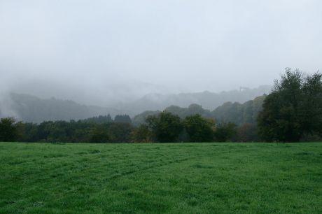 Haus Hohenscheid (18.10.2013): kurz bevor die Sonne den Nebel bezwang